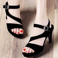 Giày cao gót Nhung đen cách điệu VG21 - V185